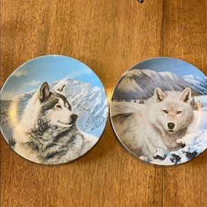 2 1992 Wild Spirits plate series wolves